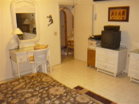 island rooms for rent cupecoy club room for rent best bargain on island