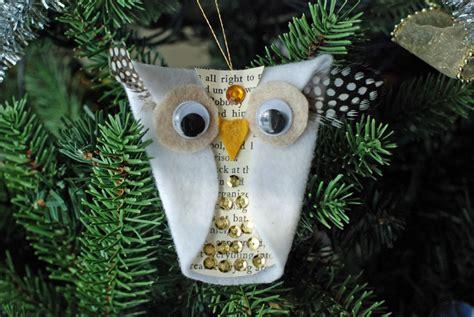 whoo liday felt owl ornament allfreekidscrafts com