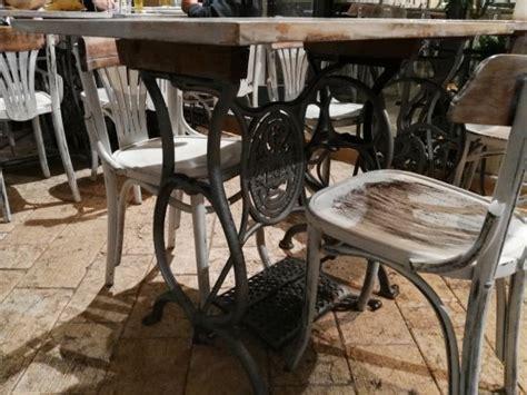 tavoli per macchine da cucire tavoli particolari ricavati da vecchie macchine da cucire