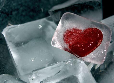 wallpapers of frozen heart frozen heart hd wallpaper 3894 215 2848 high definition