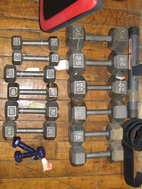 weider pro 230 bench furniture 1 weider pro 230 weight bench and hand barbell weights 2 25 2 20 2