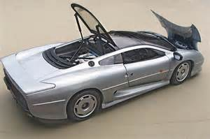 Maisto Jaguar Xj220 Maisto 1 12 Jaguar Xj220 Diecast Zone