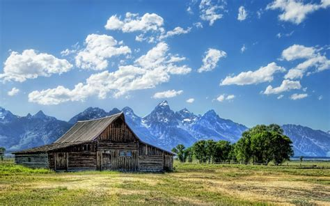 wyoming house wallpaper house mountains clouds barn wyoming usa