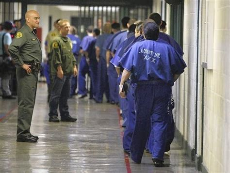 Los Angeles Sheriff Arrest Records L A Now Live Offenders Inmates Released Early Latimes
