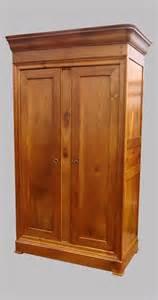 armoire ancienne en merisier de style louis philippe