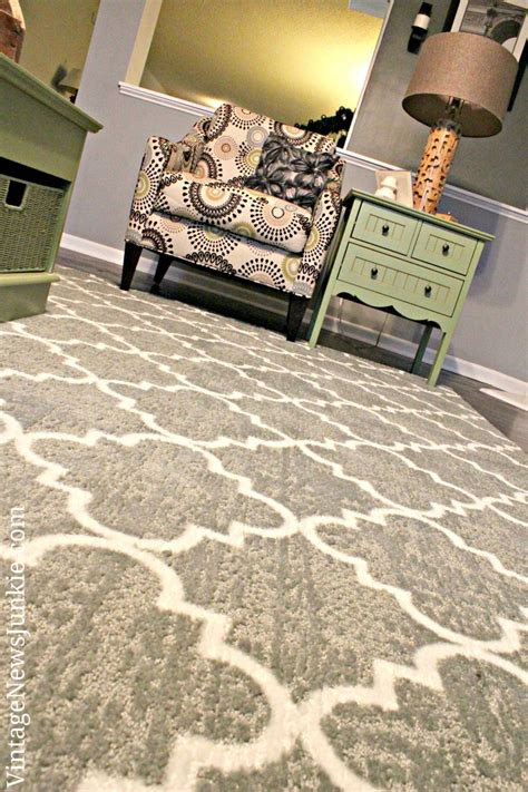 Gray And White Trellis Rug by 17 Best Images About Comfy Carpet On Shaw
