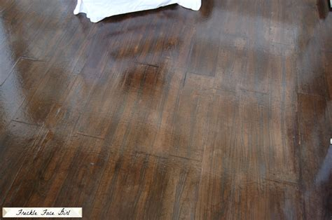 Faux Wood Flooring by Remodelaholic Faux Wood Plank Floors Using Brown Paper