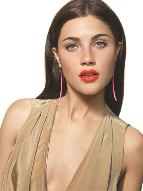 Make Up Vivi Thalib Make Up Wanted Brown Neons And Vivi B