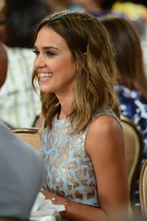 how to do jessica alba hairstyles jessica alba short hair for spring 14 pinterest