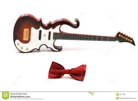 imagenes de guitarras rojas pajarita y guitarra rojas