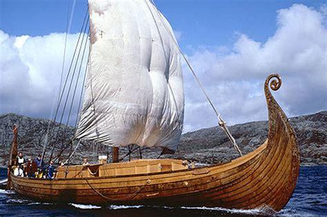 viking long boat beautuful woodwirk longboat warrior s paraphernalia
