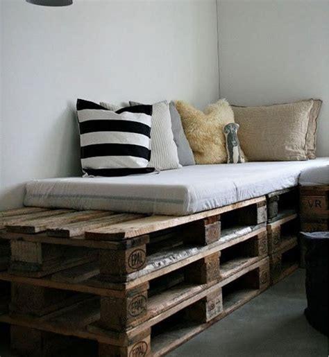 arredamento con bancali legno come riciclare creativamente i pallet in stile shabby chic