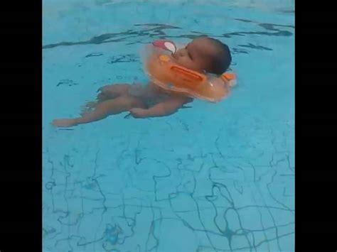 Kerudung Bayi 3 Bulan Bayi Umur 6 Bulan Berenang Mp3gratiss