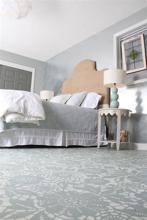 painted floors with annie sloan chalk paint goodbye carpet hello stenciled floor with annie sloan