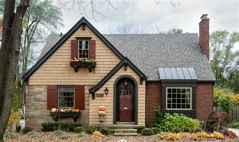 bungalow with charming facade hwbdo11716 home exterior makeovers in royal oak ferndale michigan