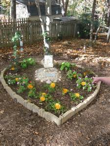 Pet Memorial Garden Ideas Pet Memory Gardens Diana Digs Dirt