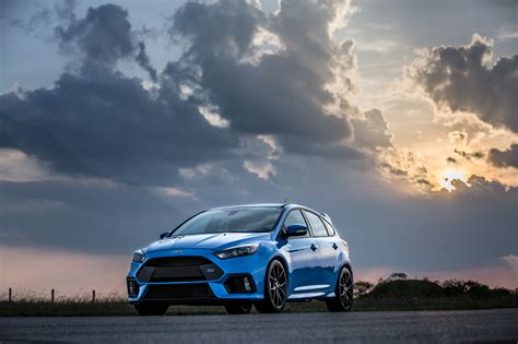 2018 Ford Focus RS vs ST 12   AutosDrive.Info