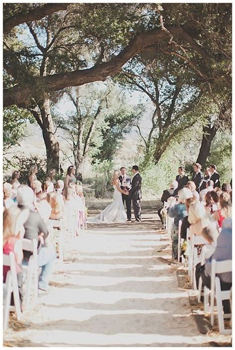 rustic outdoor wedding venues in california this charming oak grove in san diego is the wedding venue for your rustic affair