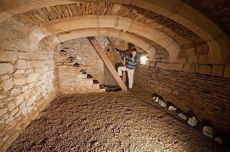 call  root cellar  wine store
