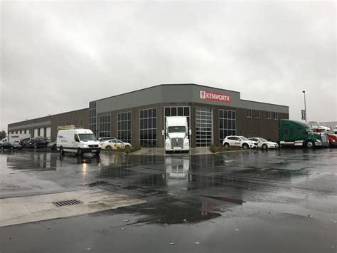 kenworth truck centre kenworth truck centres hosts grand opening for new