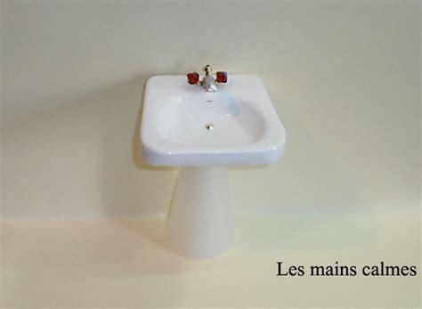 Baignoire En Plastique Pour Bébé by Miniaturama Voir Le Sujet Lavabo Suspendu