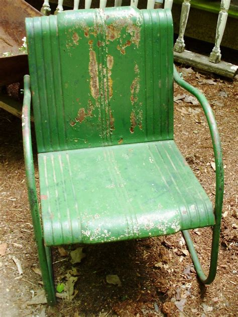 painting metal lawn chairs how to tell if metal furniture and decor is worth