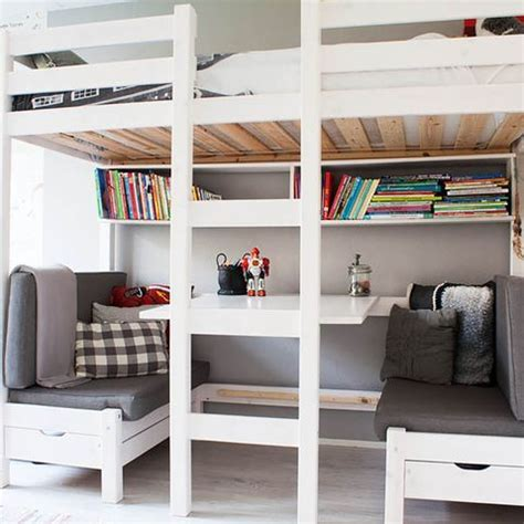 small teen bedroom ideas how to achieve harmony in a small bedroom with diy 17347   6db8966b8576af9e517dc358566f4418
