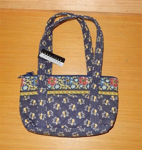 Handmade Quilted Purses - braciano blue floral print quilted cotton zipper top