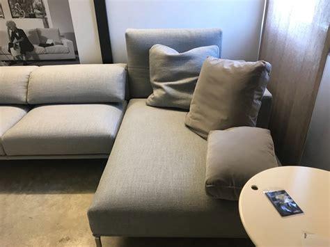 prezzi divani cassina divano con penisola moov cassina a prezzo outlet