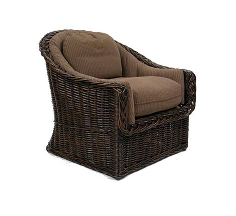 classic   lounge chair wicker material