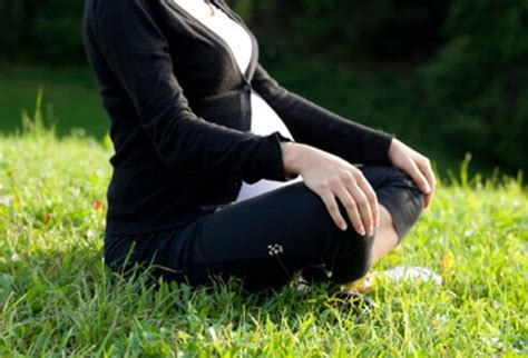 prenatal workout safe exercises  pregnant women