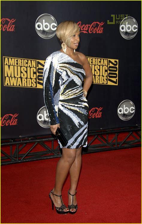 2007 American Awards J Blige by J Blige 2007 American Awards Photo 744261