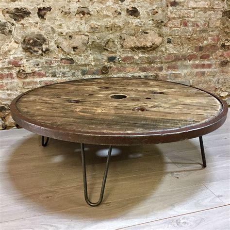 table basse metallique table basse r 233 alis 233 e avec un touret en bois cerclage