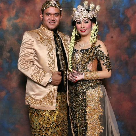 Foto Prewedding Adat Jawa Timur by Rias Pengantin Adat Sunda Siger Primera Wedding