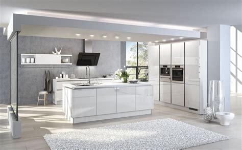 Küchenmodelle Für Kleine Küchen by Kueche Eiche Und Weiss
