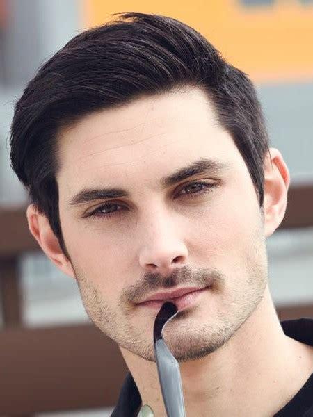 model rambut pria berkelas  tampil menarik  elegan
