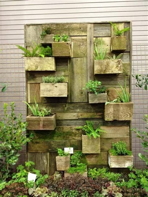 wooden garden wall 22 diy vertical garden wall ideas worthminer