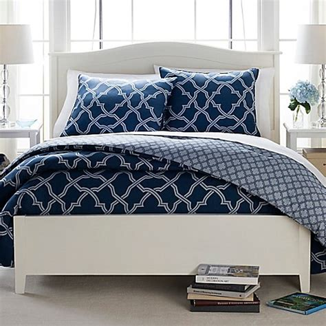 Set Navy butter cotton geo trellis reversible comforter set in navy