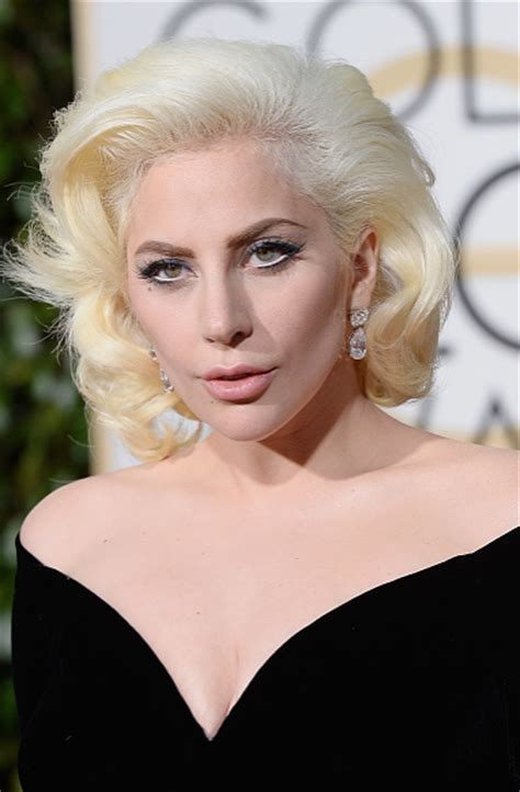 Old Hollywood Glamour Home Decor by Get Lady Gaga S Red Carpet Hollywood Glamour Hair A