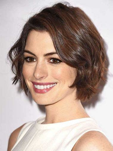 short layers are from the devil best 25 anne hathaway haircut ideas only on pinterest