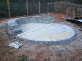 How to Build a Fire Pit with Circular Wrap Around Veneer Patio