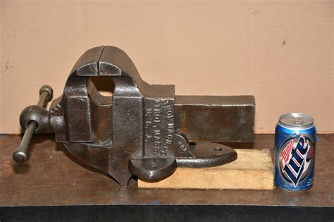 made in usa bench vise antique classic athol machine co cast iron bench vise made in usa inv 12510 ebay