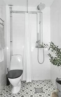 Attrayant Plan Salle De Bain 4m2 #4: idee-salle-de-bain-petite-surface-en-blanc-plante-verte-d-interieur-pour-decorer-la-petite-salle-de-bain.jpg