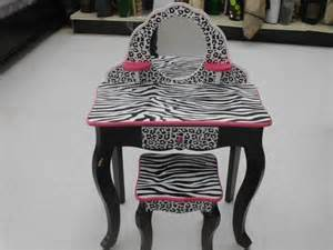 Zebra Vanity Set Big Lots New Pretty Childs Vanity Pink And Zebra