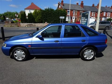 lincoln uk escorts used ford 1 6i flight on finance in brierley hill 163