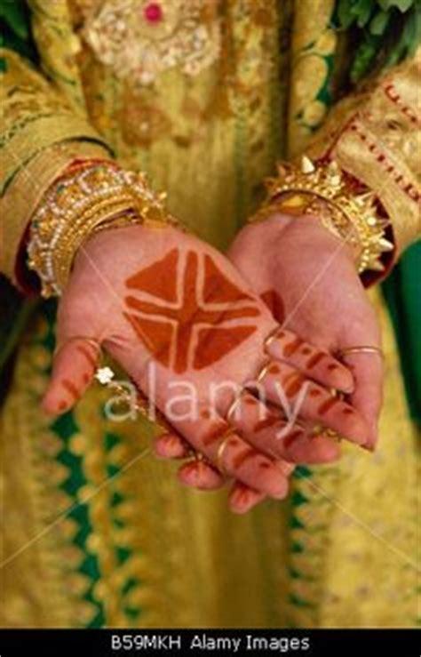 henna tattoos jena 13 best bahraini traditional fashion images on