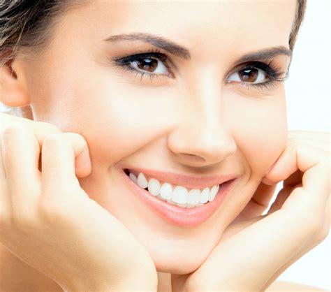 memutihkan gigi membuat  putih alami bersih