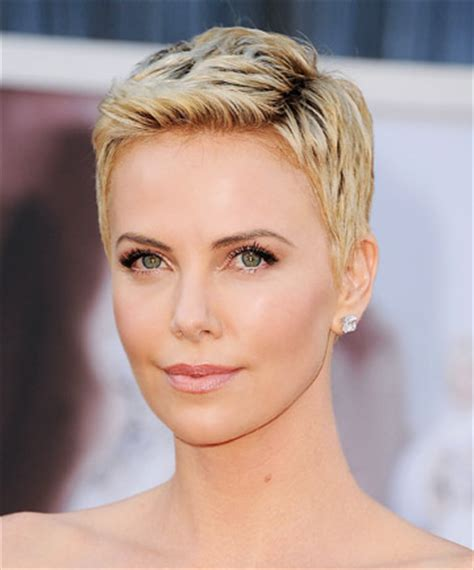 puxie hair of 50 ye old celrbrities charlize theron s attention grabbing pixie cut 19