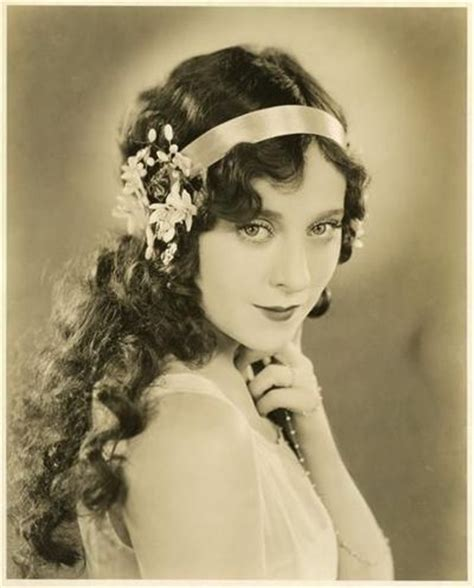 hairstyle day: 1920s long hairstyles