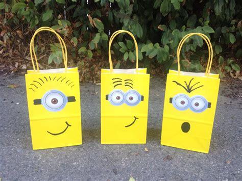 how to make minion favor bags 12 minions theme party favor bags 12 despicable mefavor